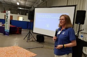 Amy Toman speaking at Texas Pet Sitters Conference